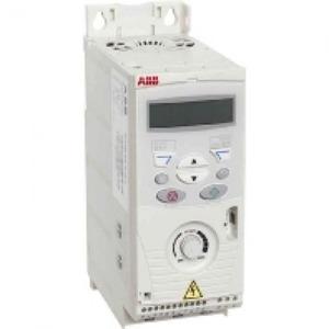 ABB Frequentie-omvormer 0,75kW, I2n =2,4A IP20, met bedieningspaneel