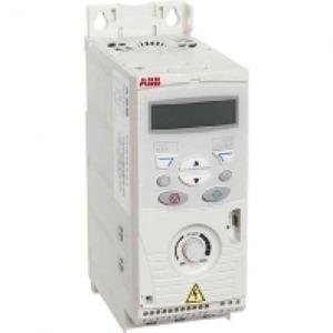 ABB Frequentie-omvormer 2,2kW, I2n =5,6A IP20, met bedieningspan
