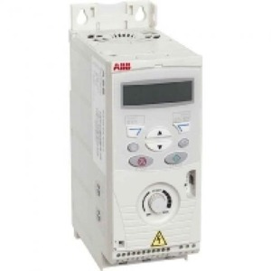 ABB Frequentie-omvormer 1,5kW, I2n =7,5A IP20, met bedieningspaneel