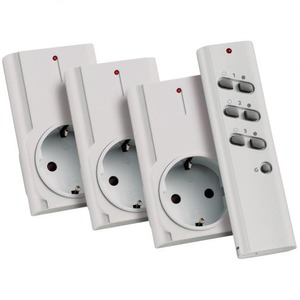 KlikAanKlikUit afstandsbediening en 3 stekkerdozen / schakelaars 1500W
