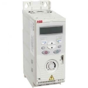 ABB Frequentie-omvormer 1,1kW, I2n =3,3A IP20, met bedieningspaneel