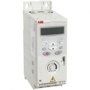 ABB Frequentie-omvormer 0,75kW, I2n =4,7A IP20, met bedieningspaneel