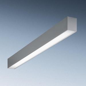 Trilux REPRESENTATIEF LICHTKANAAL. LICHTLIJNARMATUUR MET DIAGONALE LAMPSCHIKK